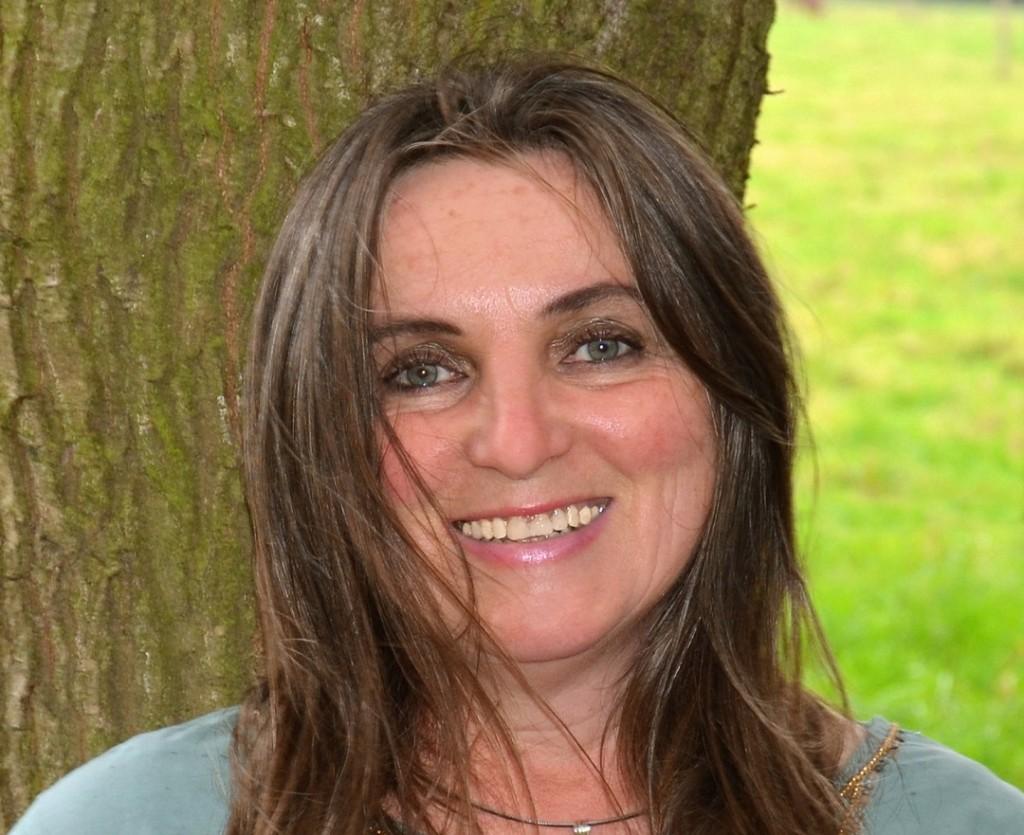 Gisela Kirmizi